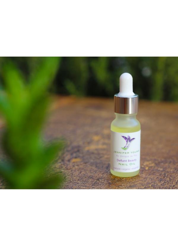 Defiant Beauty Nagel-olie verkrijbaar bij Mooihoofd voor chemo mutsjes en cosmetica